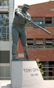 tony gwynn statue - tony gwynn statue