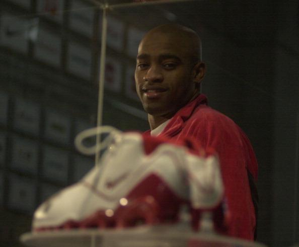 VINCE CARTER NIKE SHOE - 11/14/02 - Vinc Carter unveils the world's gretest basketball shoe, Nike Sh