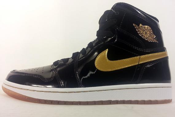 "Air Jordan 1 ""Gold"""