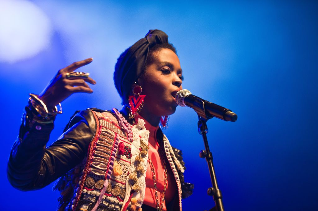 Lauryn Hill Performs