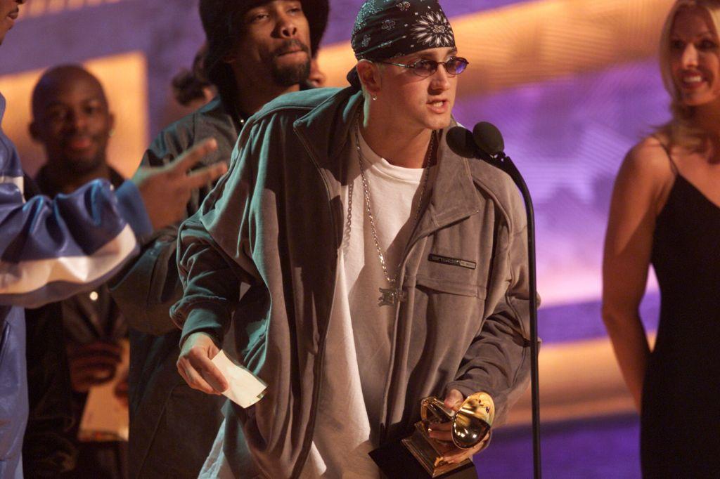 024976.CA.0221.Eminem2.km–– Eminem accepts for Best Rap Album at the 43rd Grammy Award Show held at