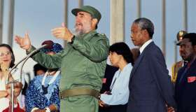 Fidel Castro and Nelson Mandela at News Conference